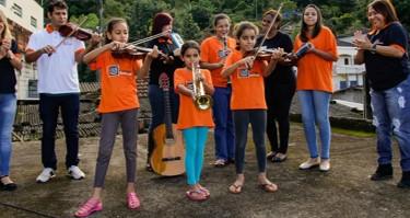 Programa Cubatão Sinfonia tem inscrições abertas para aulas gratuitas de música