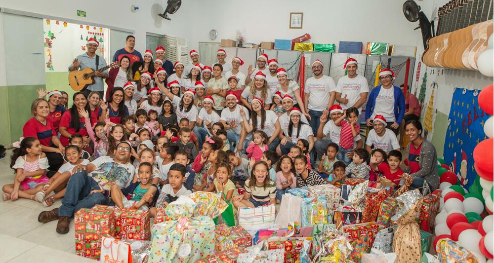 Empregados da CMOC doam alimentos e brinquedos para famílias carentes de Catalão e Ouvidor (GO)